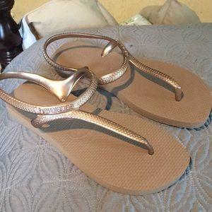 Never worn new Havaiana sandals